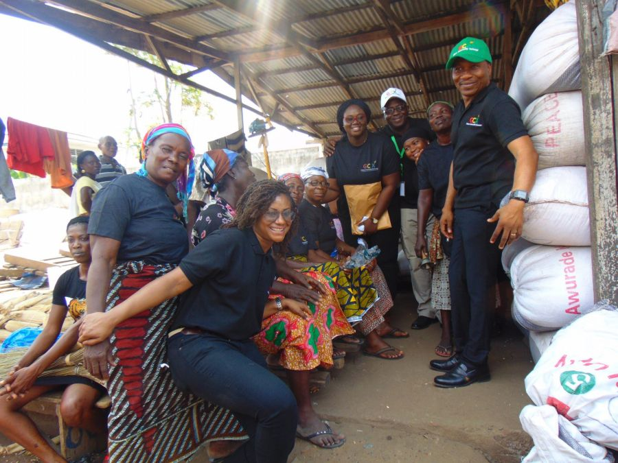 GCX REACHES OUT TO MAIZE SELLERS AT THE TUESDAY MARKET IN MAMPROBI, ACCRA image